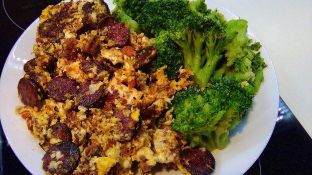Scrambled Eggs, Chorizo & Mett