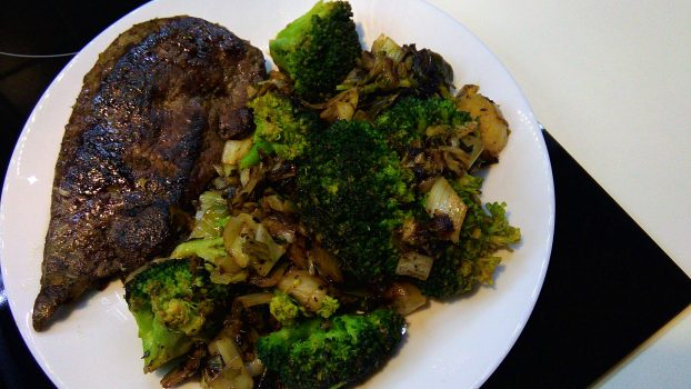 Fried Liver With Broccoli And Leeks